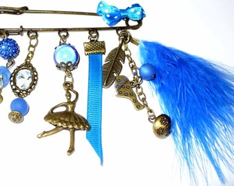 Blue dancer brooch Kit and its instructions