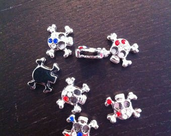 set of 3 charms silver metal insert. skull and rhinestone 1.4 cm in diameter, thickness 4mm and hole insert for