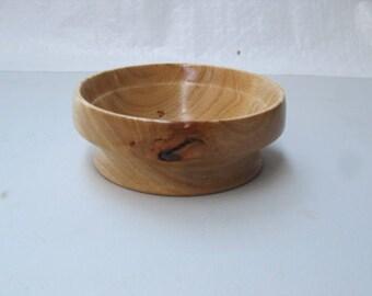 clean Avocado wood bowl
