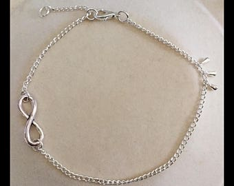 "Anklet with ""Infinity"" connector"