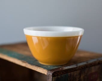 Vintage Pyrex 401 Americana Fall Colors Mustard Yellow White Rim  Mixing Nesting Bowl