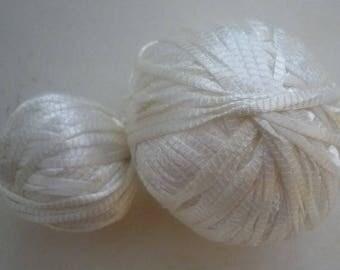White viscose yarn scraps