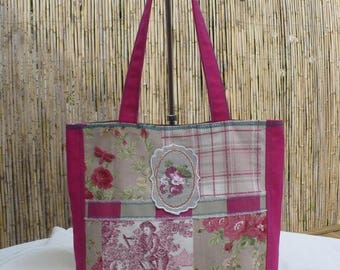 A stylish and colourful tote for your summer walks (2)