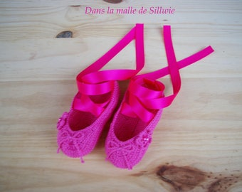 Mini fuchsia pink decorative ballet shoes