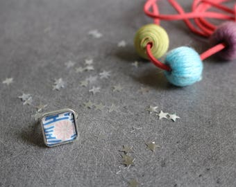 Blue and pink patterned Japanese square ring