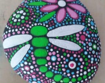 Pisapapeles/Painted Stone
