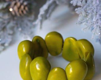 green Tagua Nut Stretch Bracelet (0150)