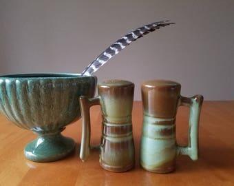 Frankoma; prairie green; salt and pepper; ringed shakers
