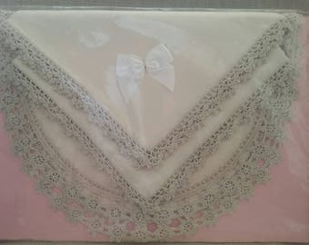Linen Table Doilies with Crochet Boarders x 4