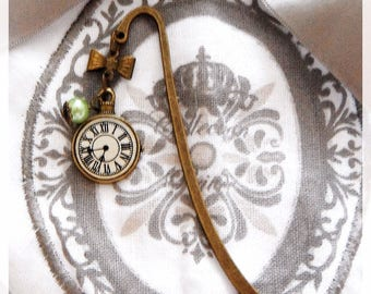 Bookmark bronze clock