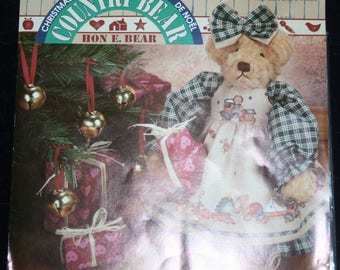 Daisy Kingdom Country Bear Christmas Fashions #32180 - Hon E. Bear Clothes Fabric Panel (1995)