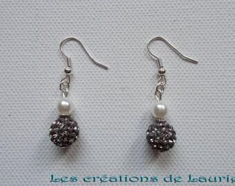 Earrings beads shamballa, dark gray and white