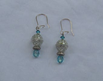Clear and turquoise earring