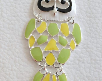 1 green and yellow enamel articulated OWL pendant