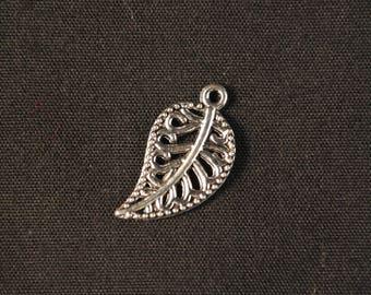 Leaf silver pendant 18 x 10 mm charm