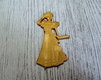 Woman in period engraved 1350 embellishment wooden creations