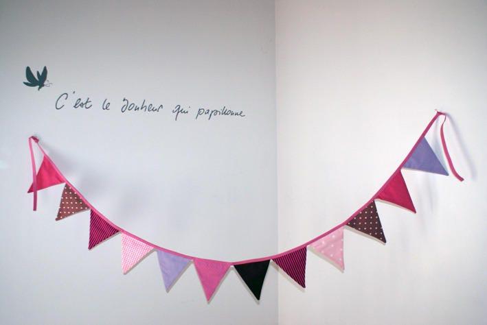 guirlande fanion rose violet 12 fanions 22 m. Black Bedroom Furniture Sets. Home Design Ideas