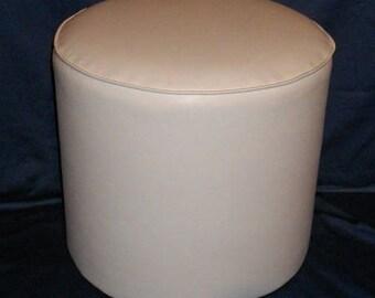 Poof leatherette plain 3001