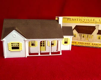 Vintage 1950's Plasticville New England Rancher House with Yellow Trim & Brown Roof