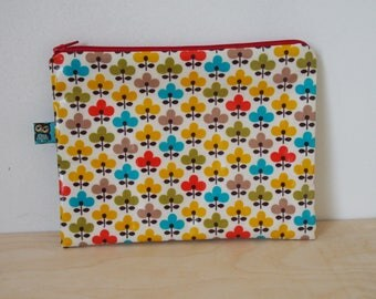 Large flat floral laminated cotton fabric vintage clutch
