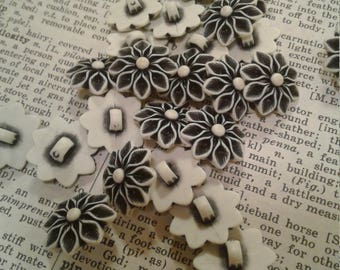 Lot 24 Vintage Black White Flower Buttons Sewing Embellishments Crafting