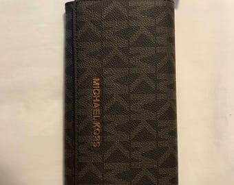 Michael Kors Wallet (2 pieces)