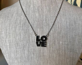 LOVE Mood Necklace