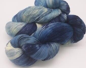 Marita, hand-dyed Lacegarn, blue, 800 m running length