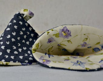 Set of Two Pot Holders/ Hot Pads - Cotton Design