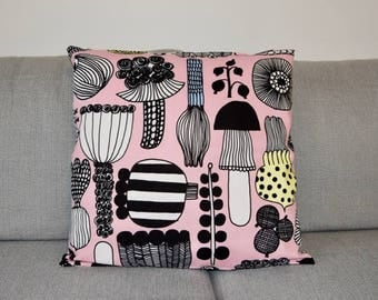 "New Handmade Marimekko Puutarhurin Parhaat Pink pillow case, cushion cover 18"" 45 cm, Design Finland"