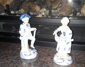 Vintage Norleans figurines blue white over 39 years old
