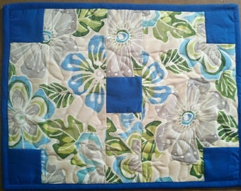 Blue floral placemat, Fabric placemats, Canvas quilted placemats, Set of two, Reversible placemats