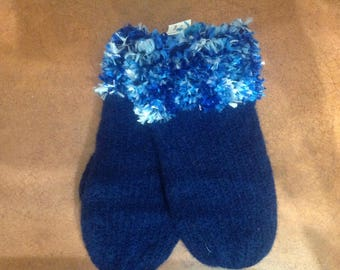 Boiled wool mittens with furry cuffs