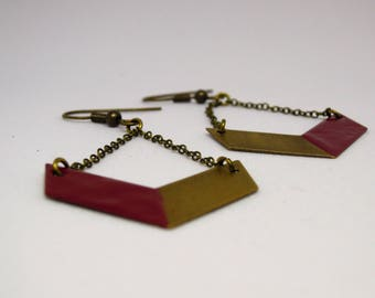 Earrings Chevron Maroon/chain/bi color/enamel / / minimalist