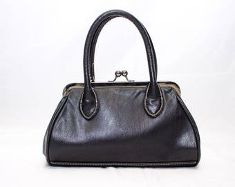 Adorable Black Leather Small Tommy Hilfiger Hand Bag
