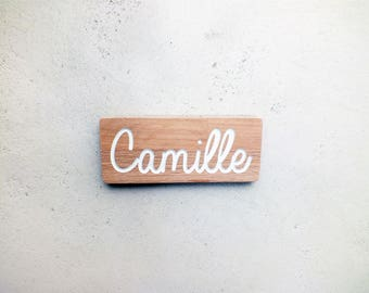 Wood door plate with on demand baby name engraving // Personalized baby name engraving // Wooden door plate
