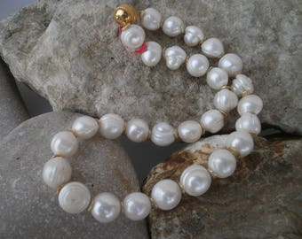 Beautiful freshwater Pearl necklace #306