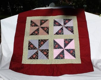 """spinning roses lap quilt 44"""" x 46"""""""
