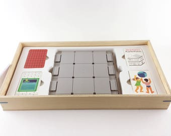 Game ' house cards ' in a homemade wooden box