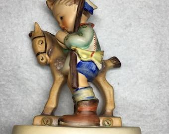 Hummel Figurine Prayer Before Battle #20