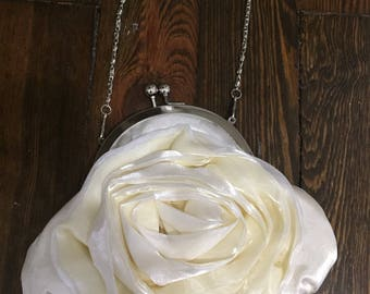 Ivory Kiss lock rose purse