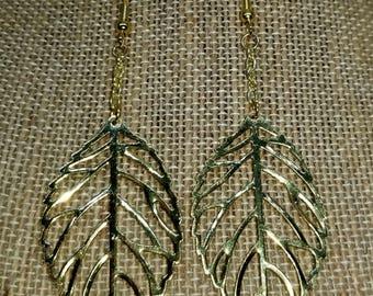 Pretty Filigree Leaf Dangle Earrings