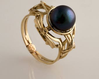 Gold Ring with Black Pearl