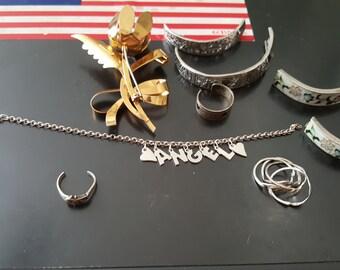 86.1 grams of broken or scrap jewelry
