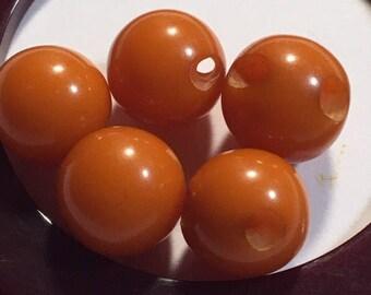 5 vintage bakelite butterscotch ball buttons