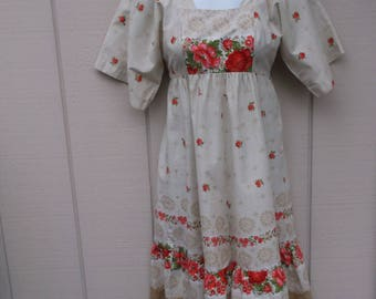 Vintage 70s Floral Girls Size 10 / 12 Calico Tie Back Dress with Empire Waist Bodice by Yasmin Sidra, Honolulu Hawaii