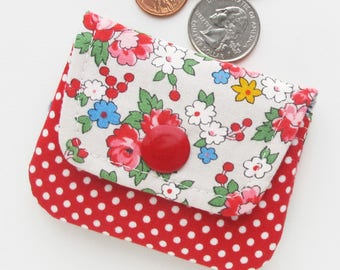 Floral Fabric Coin Purse | Mini pouch to use as change purse, jewelry pouch, earbud case, or holder for other small cords.