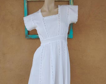Vintage 1940s Dress 40s White Cotton Day Dress Sz S B34 W24