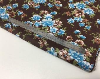 "VINTAGE — 1.2 m / 1.3 yds — smooth, semi-shiny lightweight cotton satin — brown with light blue flowers — 60 cm / 24"" wide"