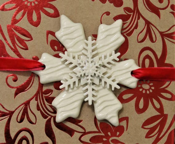 Package Decoration - X-mas Gift Wrapping - Wrapping Decoration - Christmas Gift Decoration - Snowflake - Handcrafted - Keepsake Ornament
